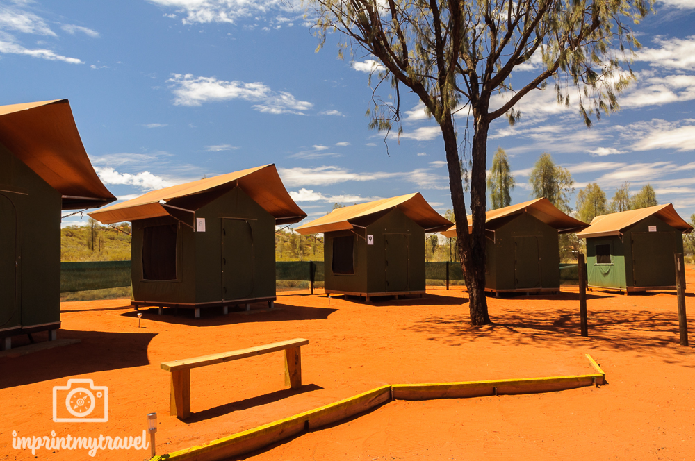 Outback Australien: Zeltcamp beim Uluru