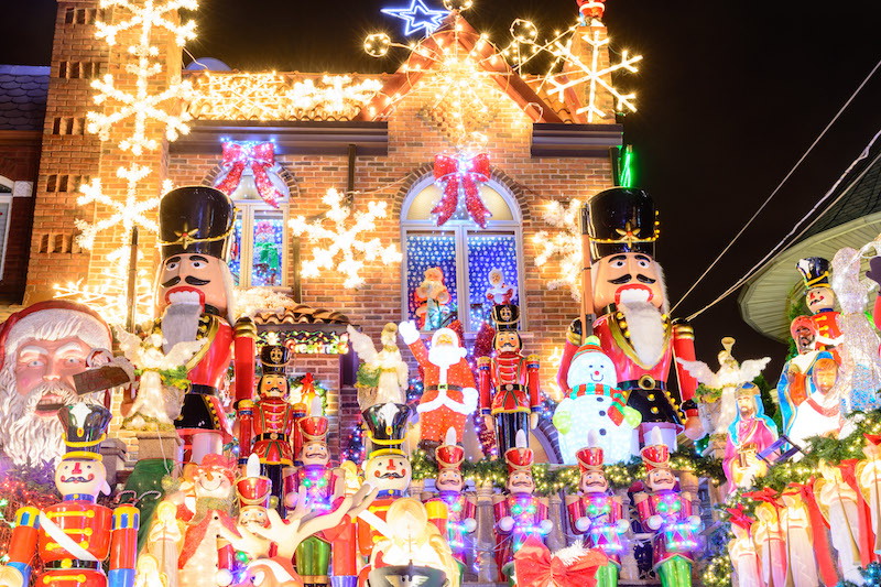 Dyker Heights Christmas Lights In New York Wo Weihnachtsmarchen