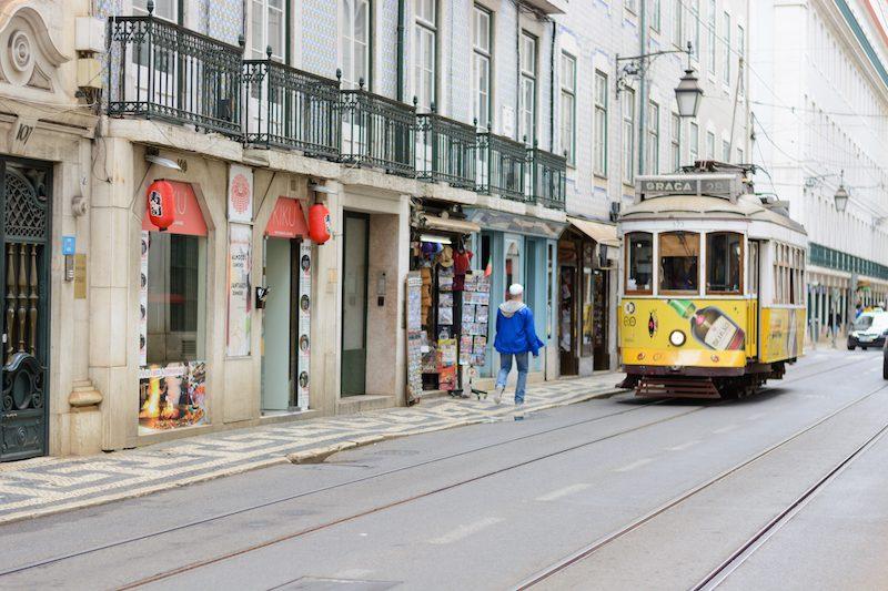 Lissabon: Straßenbahn 28E