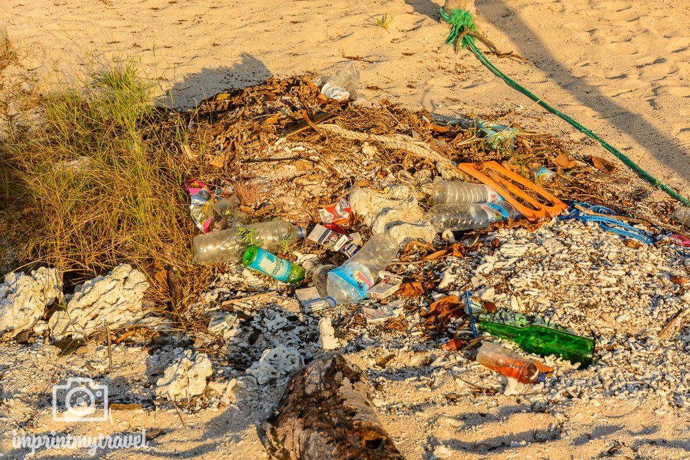 Gili Meno Erfahrung Strand Müll