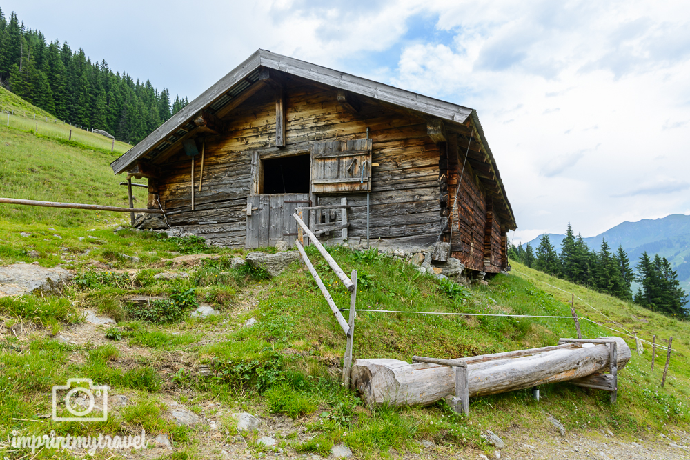 KAT Walk Tirol Wandern Untere Lärchenbergalm