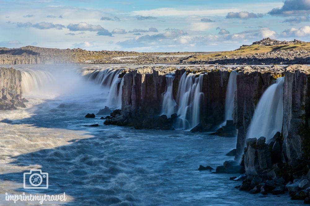 Island Rundreise Selfoss Wasserfall