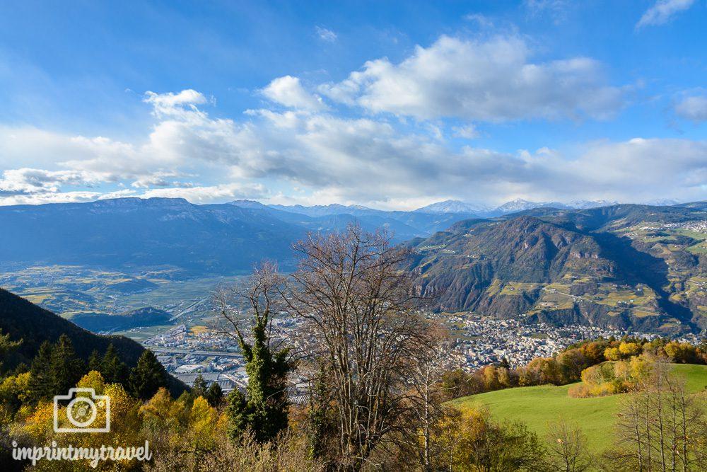 Wandern in Südtirol: Ausblick vom Gasthof Kohlern