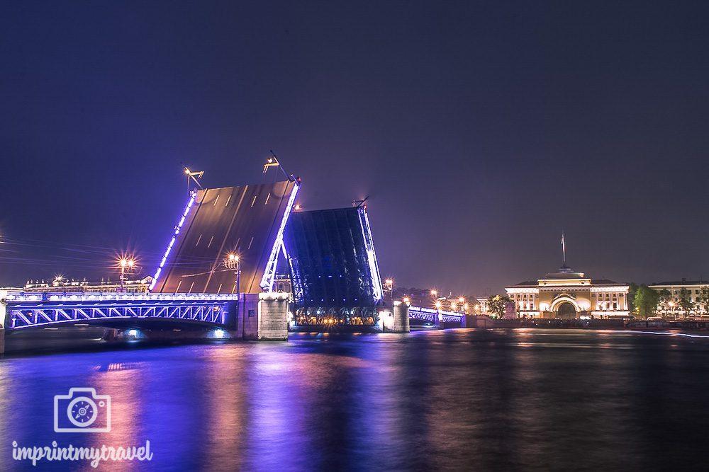 Sehenswürdigkeiten St. Petersburg Newa Brücken
