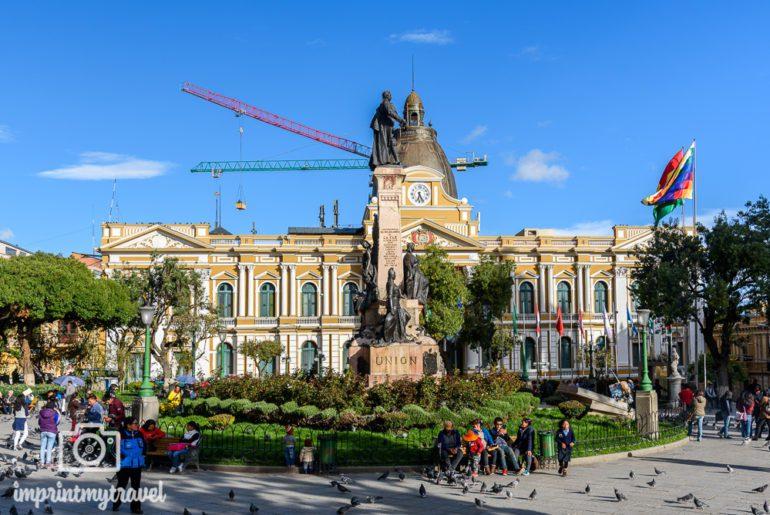 Bolivien Reise Plaza Murillo Kongresgebäude