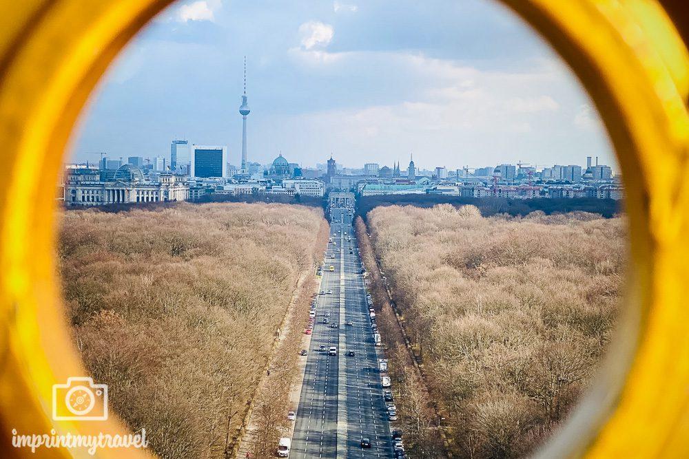 Blick auf Berlin mit dem Smartphone