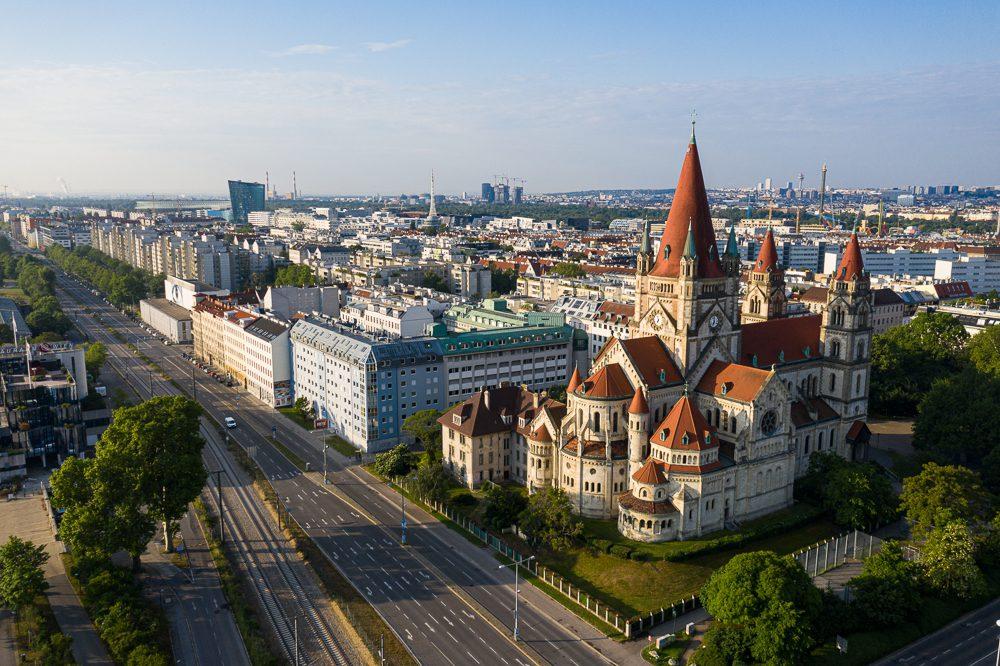Luftbild Franz von Assisi Kirche Wien