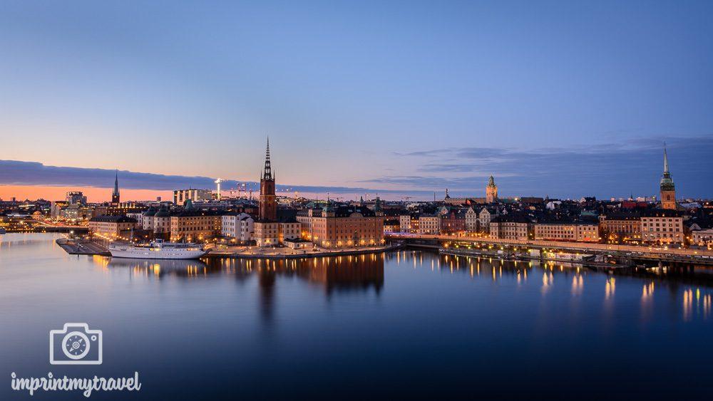 Nachtaufnahme Stockholm in der blauen Stunde